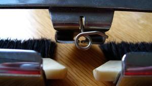 yarn-sinker-plate-eyelet
